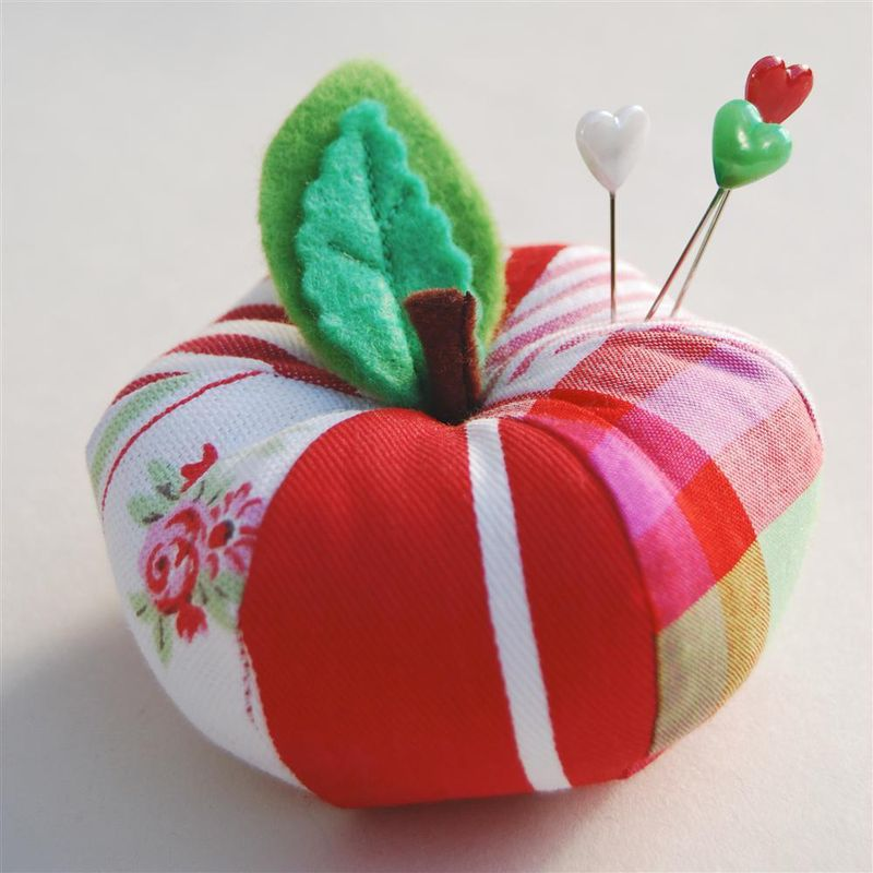Apple_pincushion