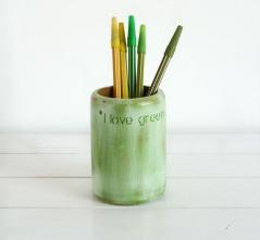 bote-para-lapices-pintado-a-mano-verde