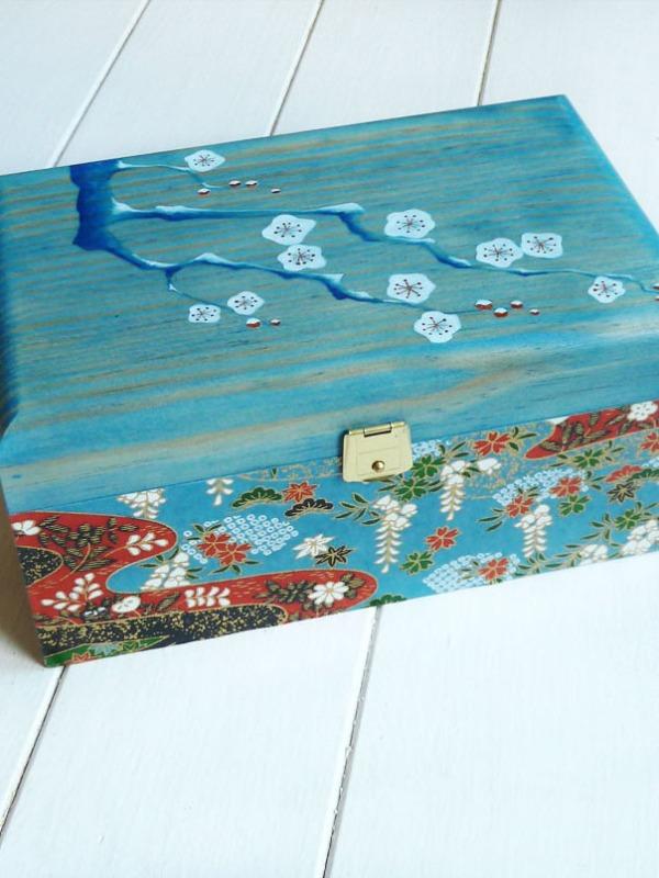 caja-pintada-a-mano-con-papel-japo