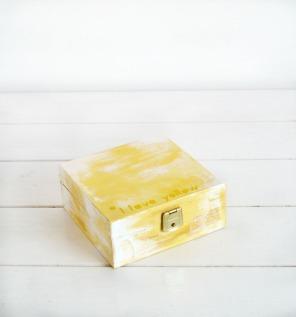 caja-decapada-amarilla