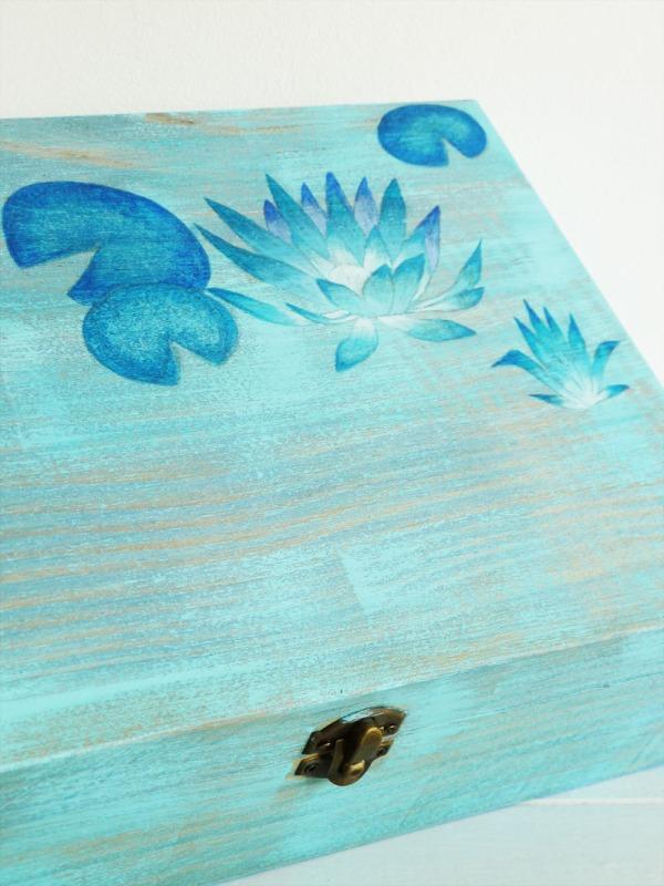 caja-pintada-a-mano-nenufares-d