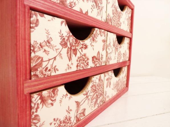 joyero-pintado-a-mano-flores-rojas_d