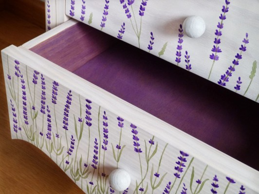 lavender-side-table-copia